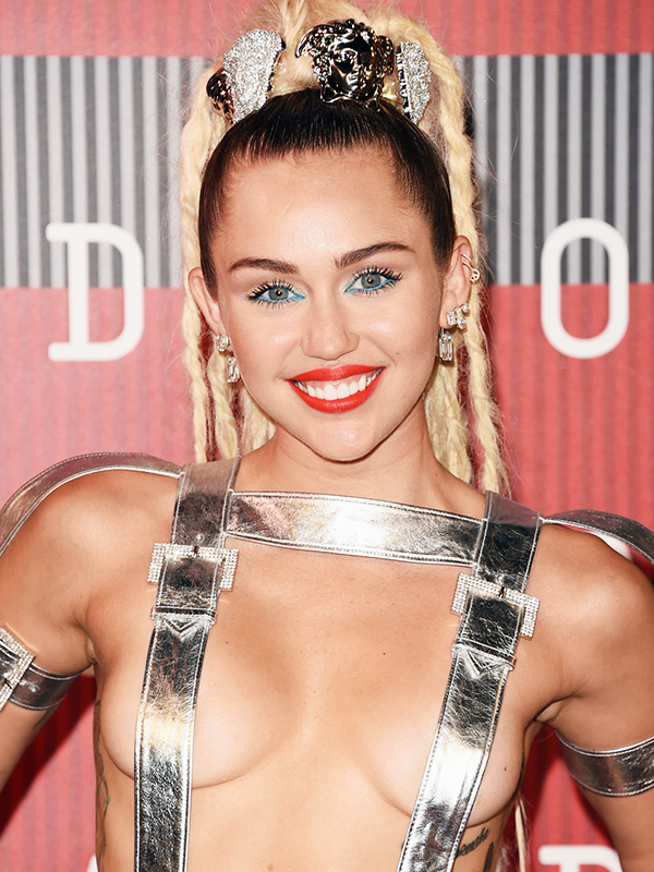 Miley Cyrus VMA 2015 Hair and Makeup