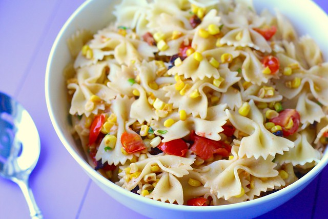 Pasta with toasted corn, tomatoes and bacon