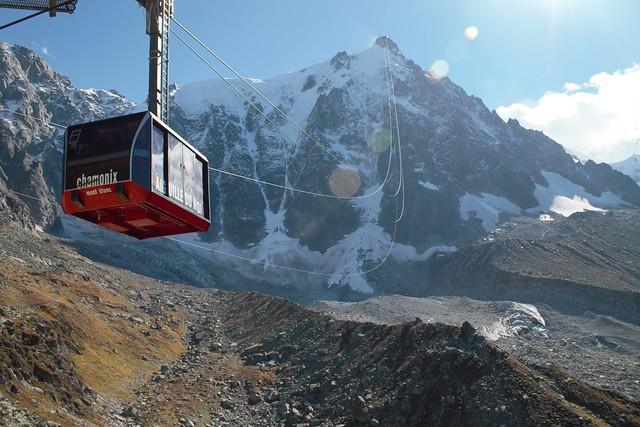 Cable car to Plan de l Aiguille du Midi
