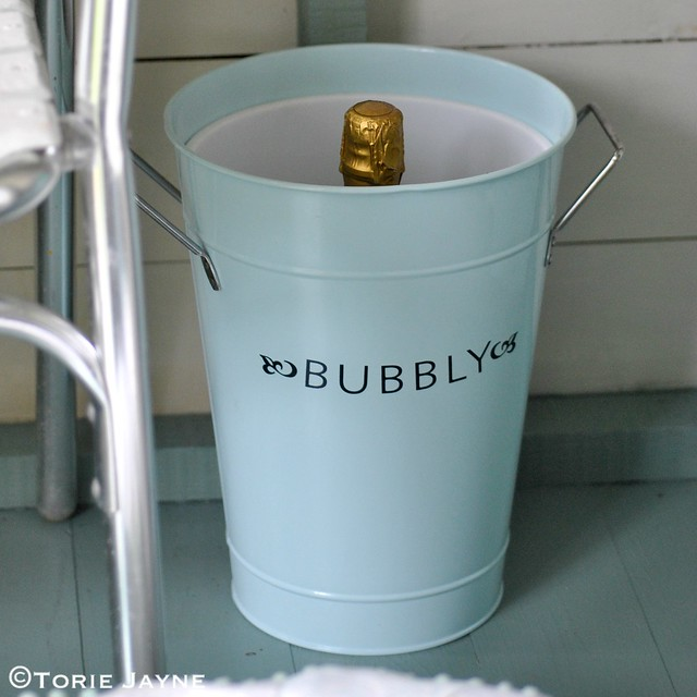 Bubbly bucket