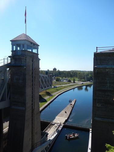 Peterborough - Trent Severn Waterway - lift lock - 1