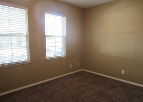 What colour paint goes with brown carpet roselawnlutheran for Paint colors for brown carpet