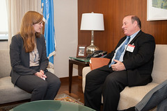 Ambassador Samantha Power, U.S. Permanent Representative to the United Nations, meets with Detroit Mayor Mike Duggan at the U.S. Department of State in Washington, D.C., on October 7, 2015. Mayor Duggan recently announced that Detroit will take in Syrian refugees fleeing violence and persecution. [State Department photo/ Public Domain]