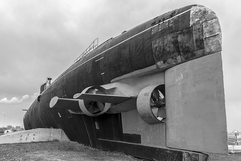 151024_URS_AvtoVAZ_submarine_Togliatti_v2_6x9