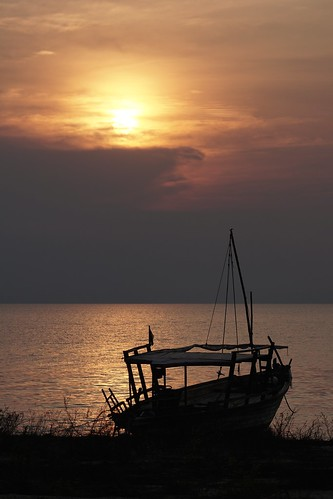 Sunset, Lake Tanganyika | by Joe Lewit