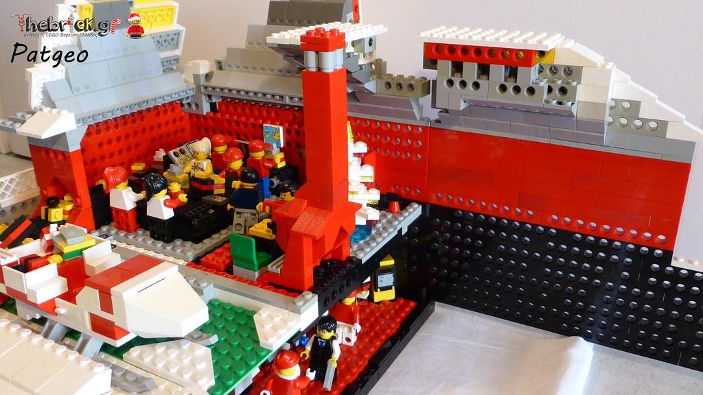 """[BuildtheBrick #2]: """"Santa's Workshop"""" 23266159959_26be048498_b"""