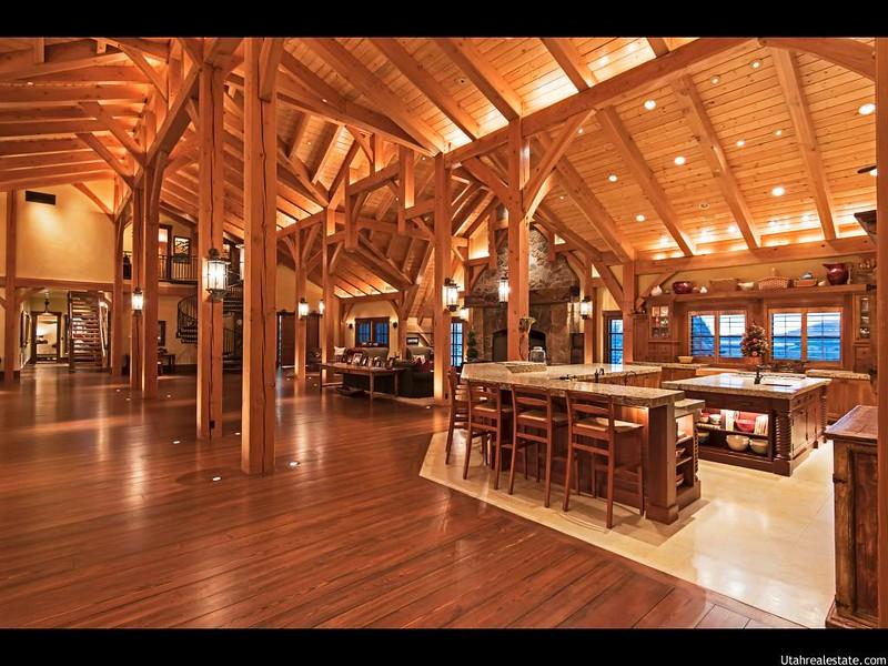 Красивый деревянный дизайн дома