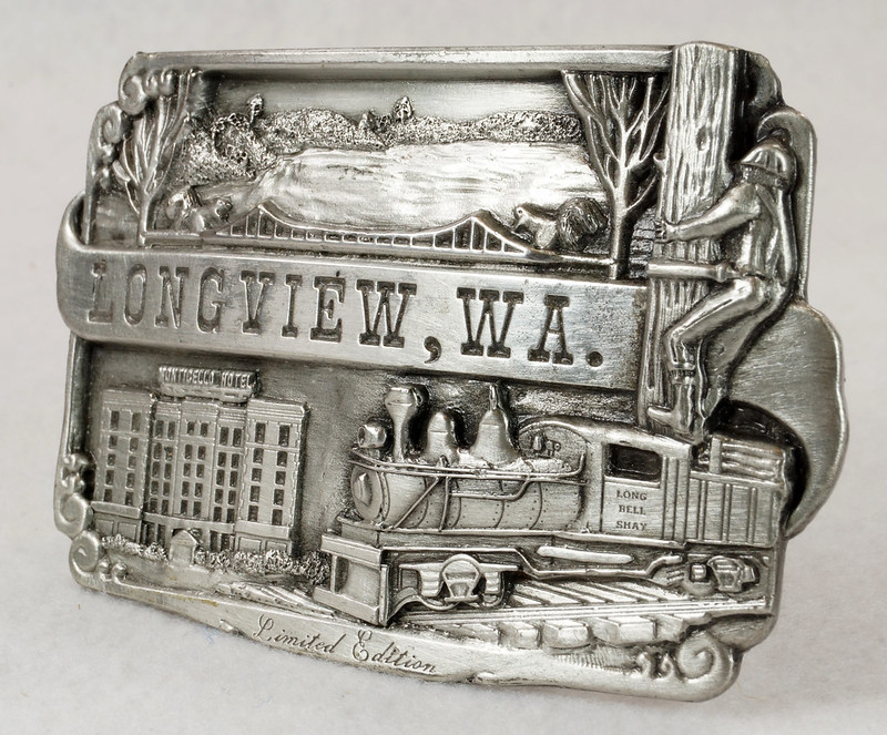 RD14449 1984 Siskiyou Belt Buckle LONGVIEW, WA Limited Edition Shay Locomotive, Monticello Hotel, Logger DSC06392