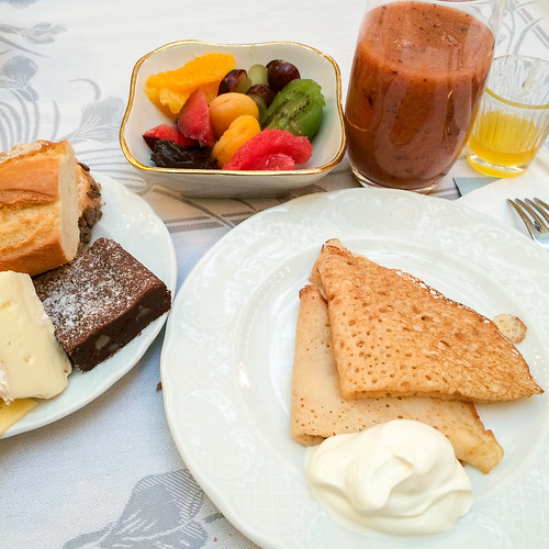 Yummy breakfast at Hotel Metropol Moscow, Russia モスクワ、ホテル・メトロポールの朝食