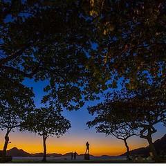 Com este belo inicio de manhã na Urca, flagrado por Thiago Lontra, nosso cordial Bom Dia ! #AplausoBlogAuroradeCinema #BlogAuroradeCinemadeclaraAmoraoRio #Rio450 #rioeuteamo #iloverio #errejota #riodejaneiro #RiodeCinema #lindodever #lindodeviver #cidadel