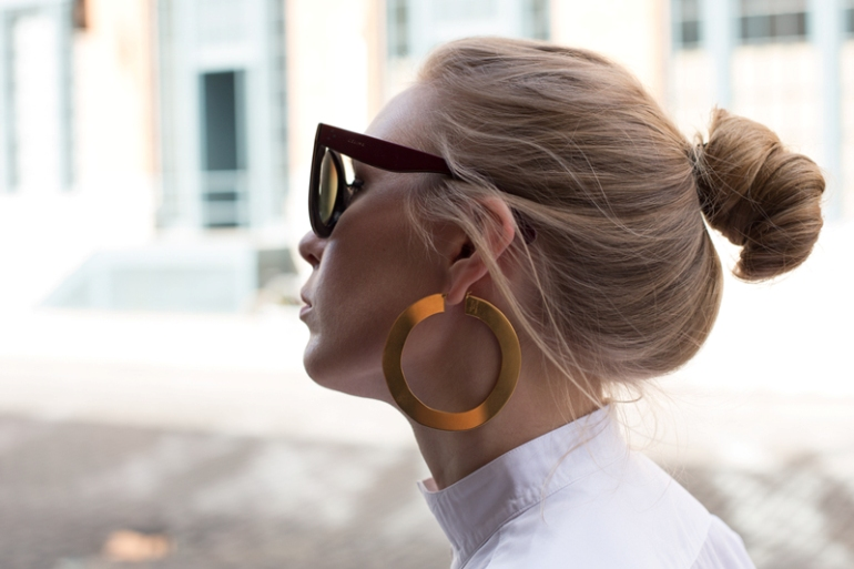 céline, céline hoop earrings, statement earrings, céline earrings, fashion is a party, fashion blogger, fashionsquad, céline jewellery, golden earrings