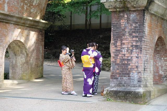 Japanese girls under the aquaduct at Nanzenji Temple