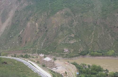 CH-Danba-Jiaju-Bus-Panorama (2)