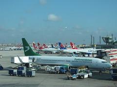 Turkmenistan Airlines  Boeing 737-82K