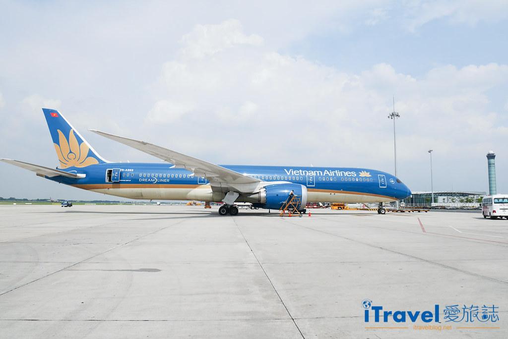《航空飞行体验》Vietnam Airlines 越南航空:前往河内转机岘港,办理落地签证、行动上网与换汇经验谈。