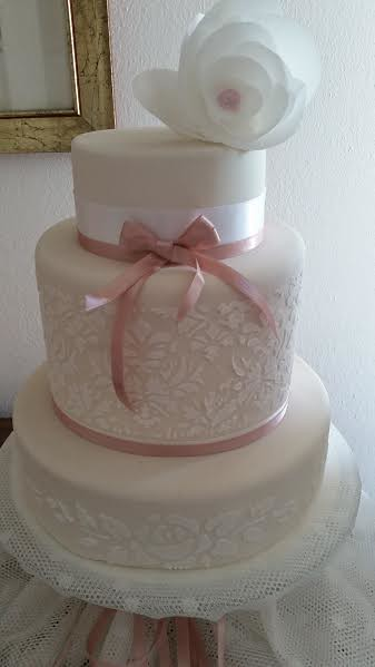 Cake by Elena Rizzoli