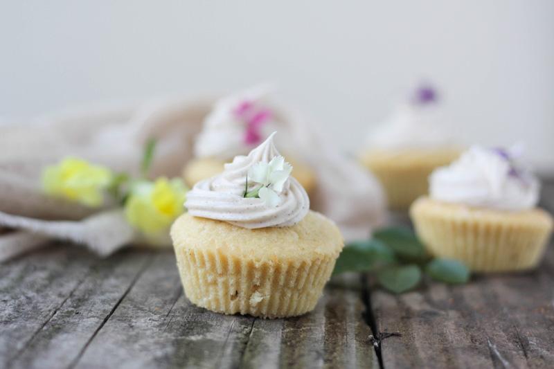 recette-cupcake-vanille-fleurs-comestibles-05