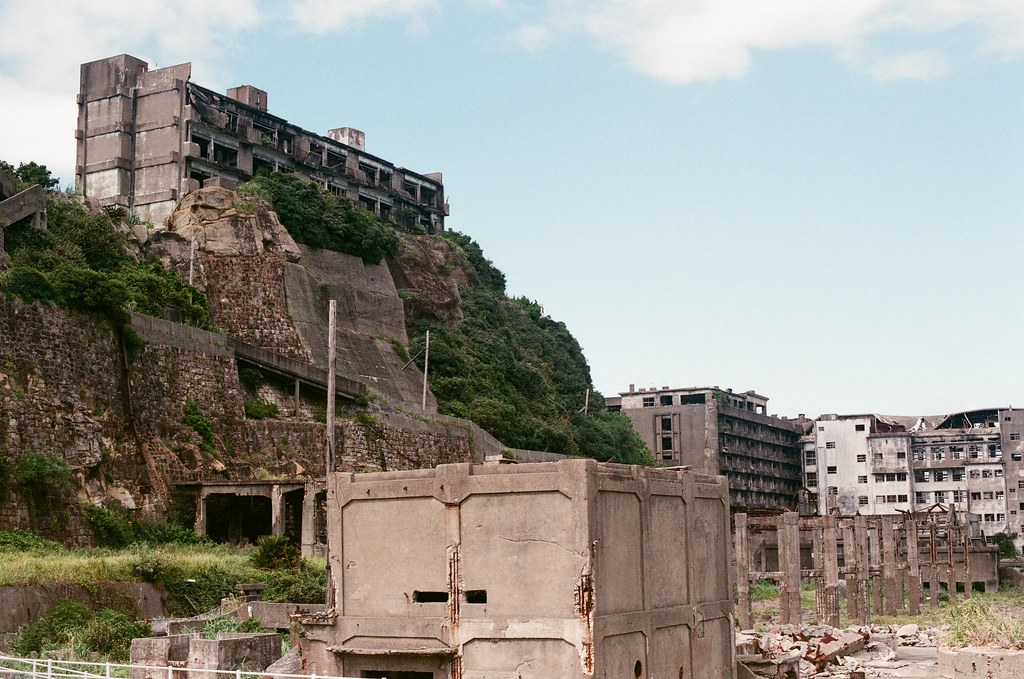 軍艦島(Gunkanjima)  端島 長崎港 Nagasaki 2015/09/07 軍艦島一景  Nikon FM2 / 50mm AGFA VISTAPlus ISO400 Photo by Toomore