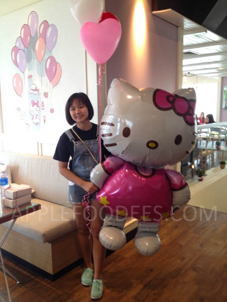 hello-kitty-balloon-2