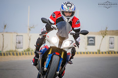 stunt performer(0.0), stunt(0.0), bicycle(0.0), automobile(1.0), superbike racing(1.0), racing(1.0), vehicle(1.0), sports(1.0), race(1.0), motorcycle(1.0), road racing(1.0), extreme sport(1.0), motorcycling(1.0), isle of man tt(1.0),