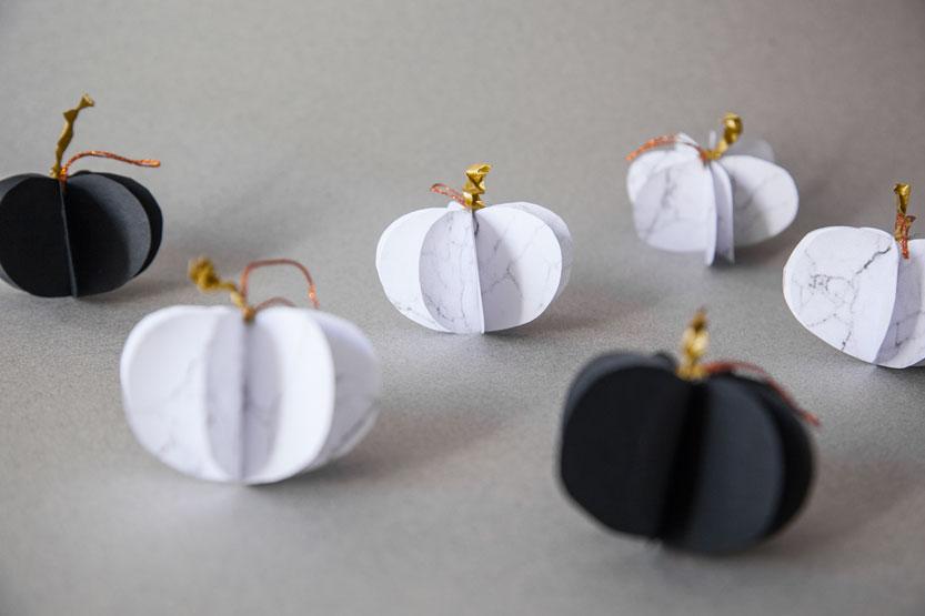 diy-guirnaldas-calabazas-halloween-papel-marmol-04