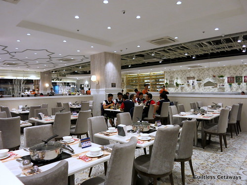 four-seasons-hotpot-manila.jpg