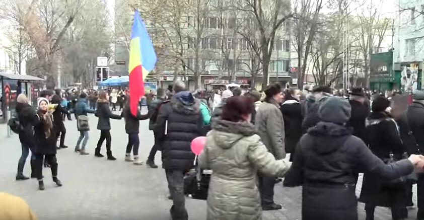 Hora_Unirii_Chisinau_Liceul_Gheorghe_Asachi_1_Decembrie_2016 (2)