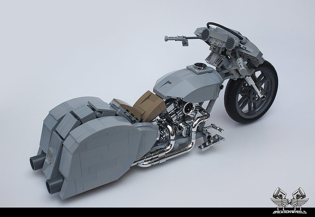 Harley Davidson Custom 'Ratted' Bagger in Lego 1/10