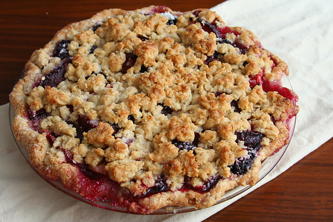 blackberry plum pie 5