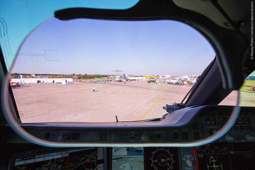 2015.08.25_UUBW_[MAKS_2015]_A350-037