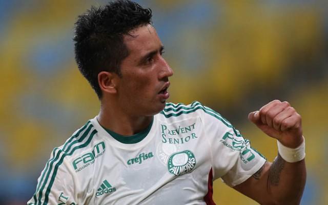 Lucas Barrios garante Palmeiras &#39vivo&#39 na decis�o da Copa do Brasil