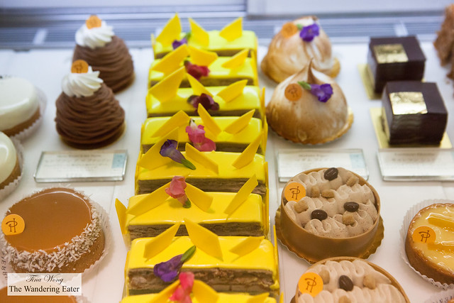 Gorgeous cakes and pastries