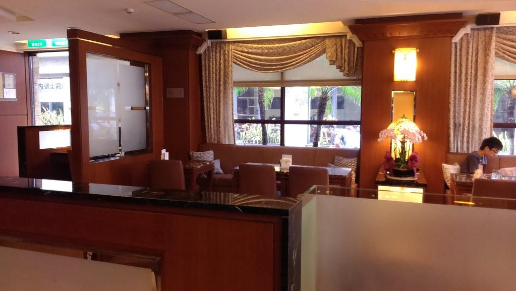 不開車玩台中景點正夯,住宿台中鼎隆國際商旅好方便 _一樓餐廳