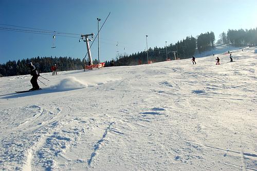 Lyžujte ve skiareálu KAROLINKA s 28% slevou