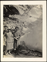 At Brixdal Glacier / Ved Briksdalsbreen