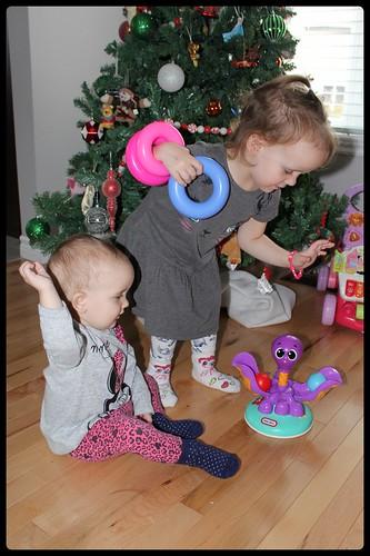 """Nous avons testé le jouet Lil' Ocean Explorers™ Ball Chase Octopus™"""" de Little Tikes"""