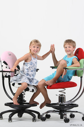 Get chairs for preschool kids at SpinaliS Canada
