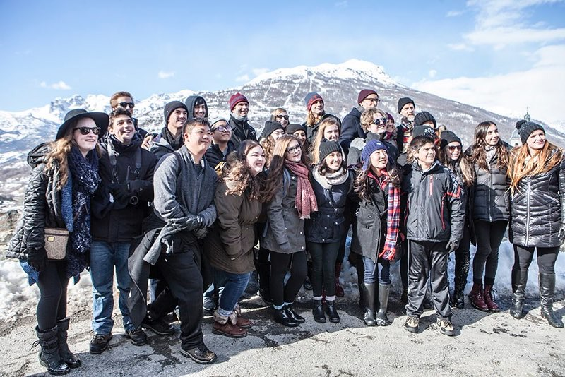 Corona del Mar High School Madrigal Singers in Briancon, France