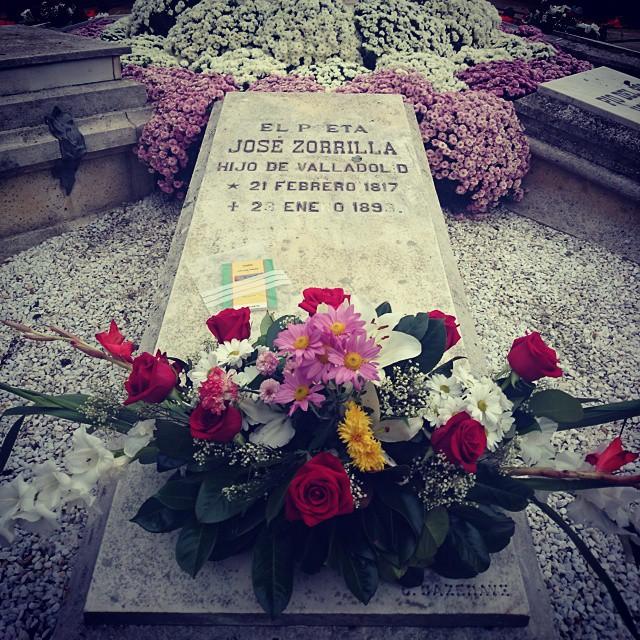 Bookcrossing en Valladolid, tumba de José Zorrilla
