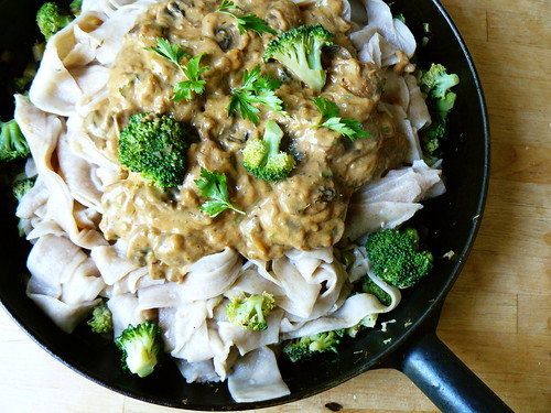 Pasta with mushroom stroganoff and broccoli