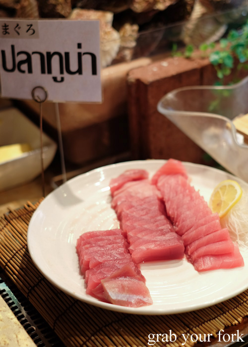 Tuna sashimi at Nanda all-you-can-eat buffet in Sapporo