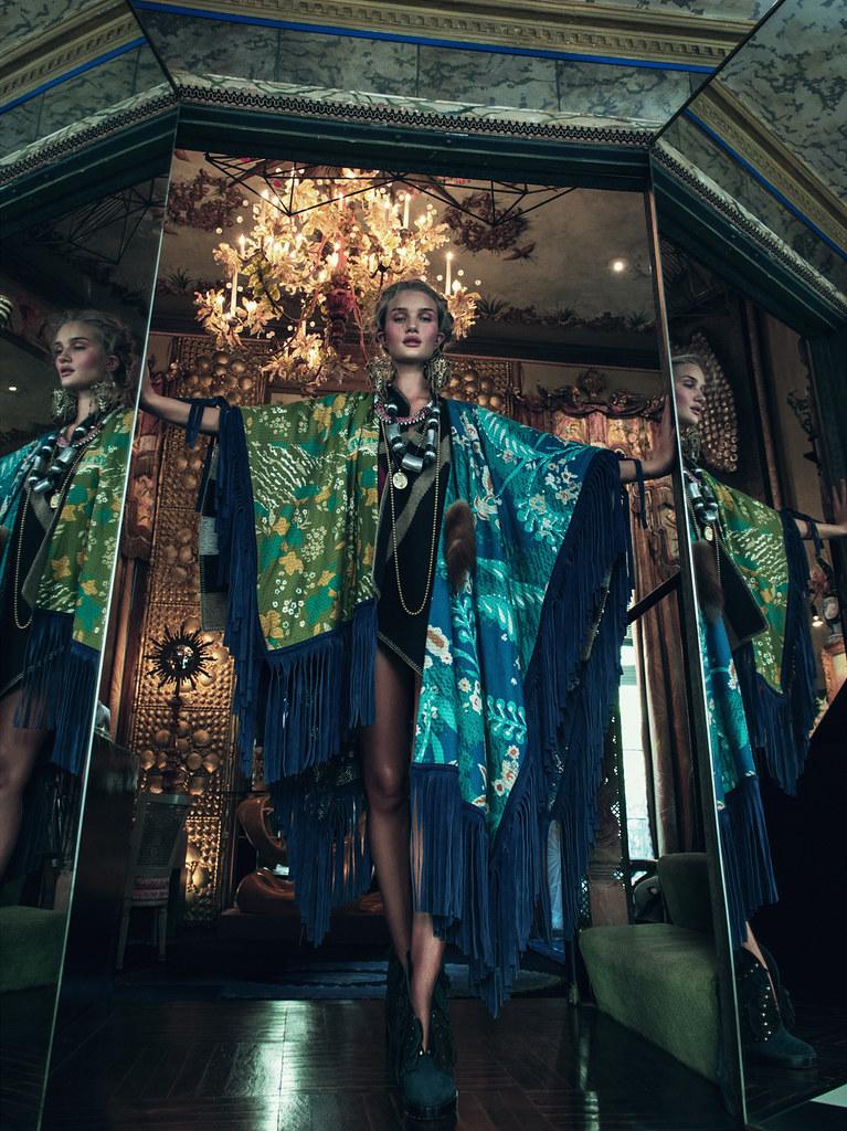 Роузи Хантингтон-Уайтли — Фотосессия для «Vogue» KR 2015 – 3