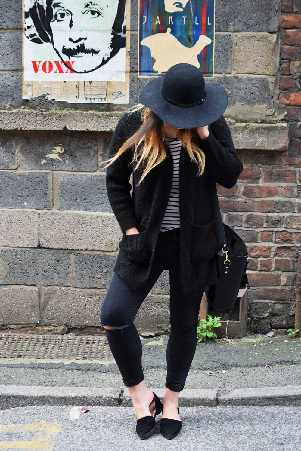 cosy weekend style with all black