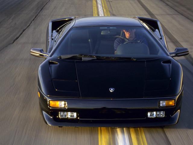 Черный Lamborghini Diablo. 1990 – 1993 годы