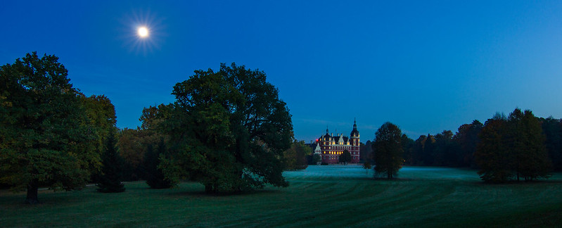 Muskau palace at Night