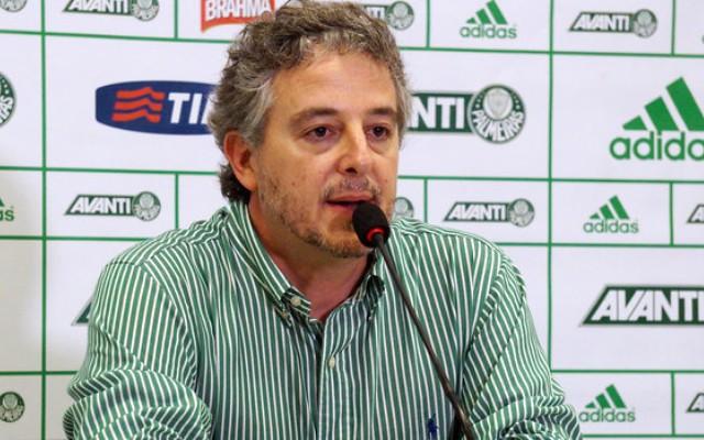Presidente do Palmeiras faz elogios e confia no sucesso do atacante Erik