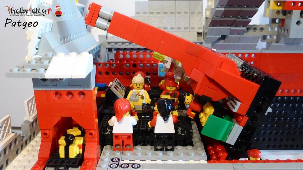 "[BuildtheBrick #2]: ""Santa's Workshop"" 23607717116_f121055b3e_b"
