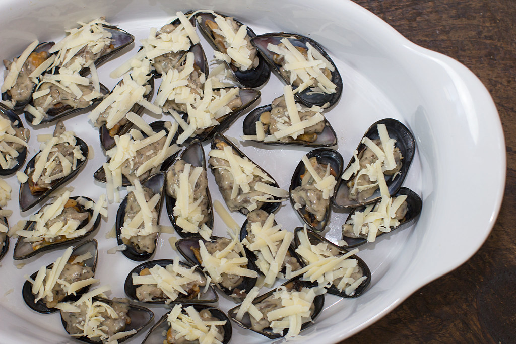 Broiled Mussels Recipes — Dishmaps