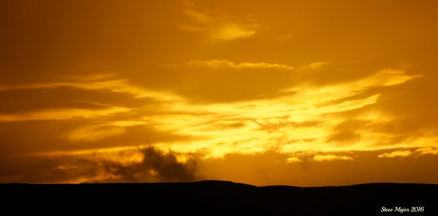 Sunset over Maiden Castle, Canon EOS 60D, Canon EF 28-300mm f/3.5-5.6L IS