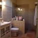 cuartos de baños compeltos, provistos de plato ducha, exteriores. Consulte precio a su inmobiliaria en Benidorm, Asegil www.inmobiliariabenidorm.com